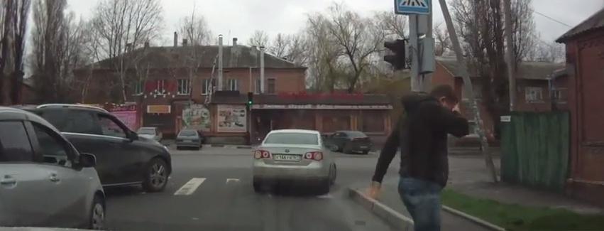 Газовый баллончик как аргумент в споре на дороге