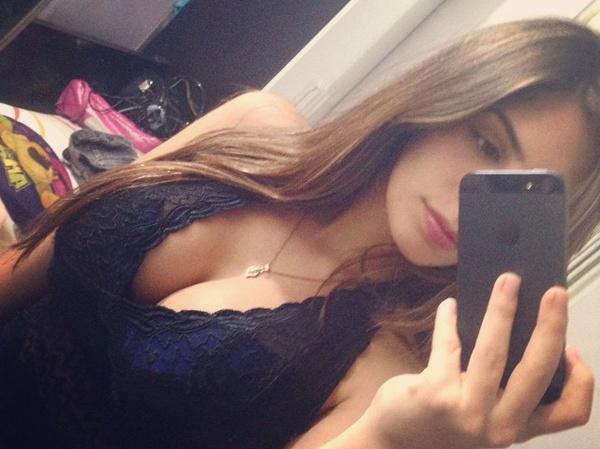 Сексуальные фото и селфи девушек 1.05.2015 (28 фото)