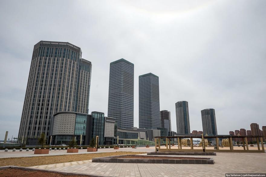 Самый большой город-призрак Китая (48 фото)