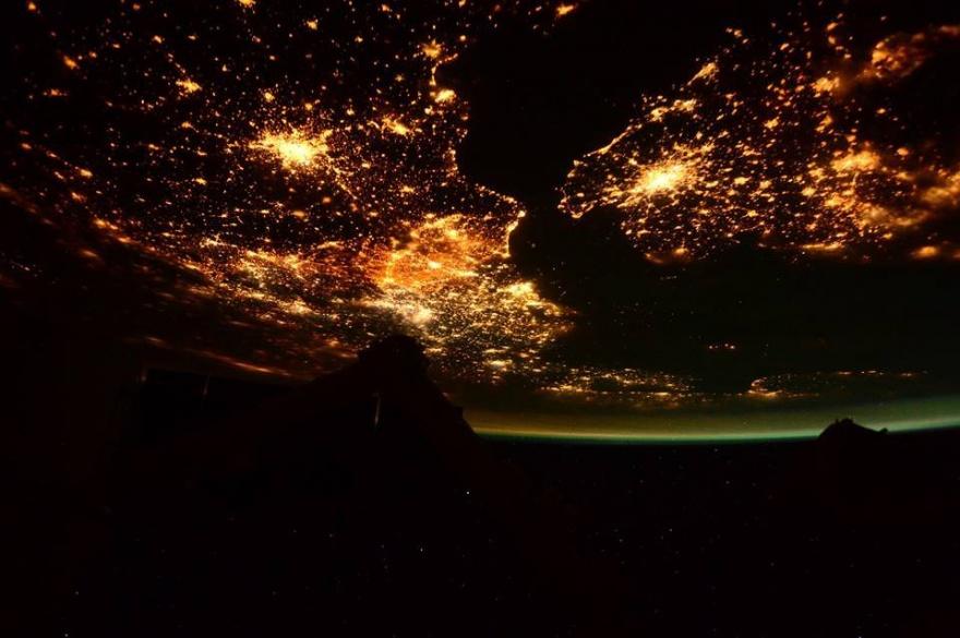 Классные фотографии, сделанные с борта МКС (19 фото)
