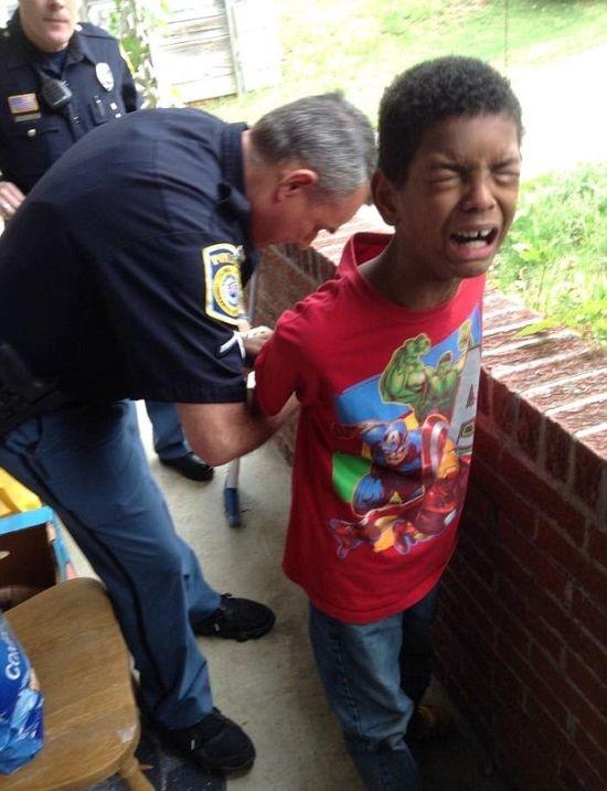 Как полиция может помочь в воспитании сына (5 фото)