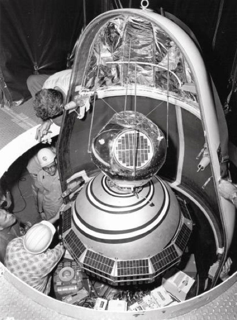 Наиболее известные падения обломков космических аппаратов на Землю (12 фото)