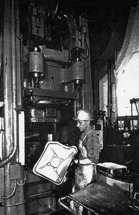 История создания канистры для топлива (20 фото)