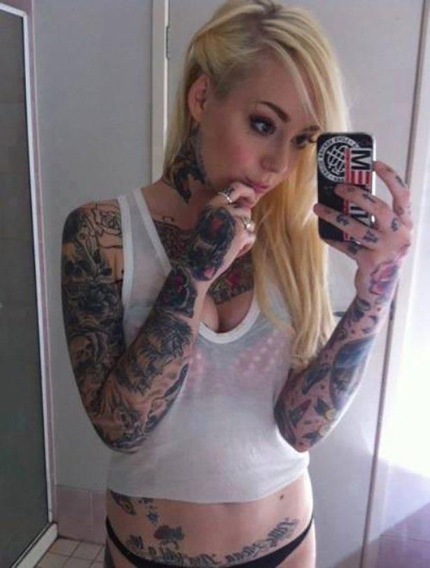 Девушки и татуировки 08.05.2015 (32 фото)
