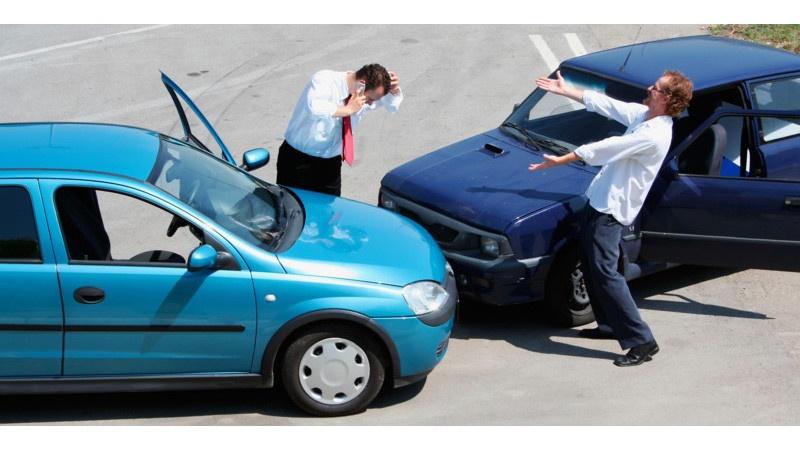 Ситуации, в которых не стоит рассчитывать на автостраховку (4 фото)