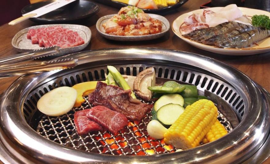 Жаренное на углях мясо в различных национальных кухнях (10 фото)