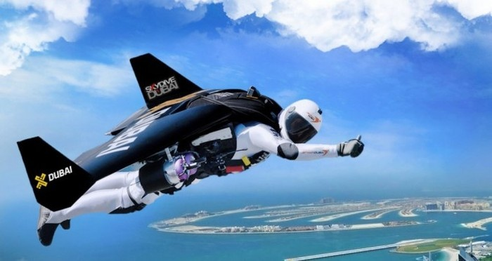 Впечатляющий полет на реактивных ранцах над Дубаем (1 гифка и видео)