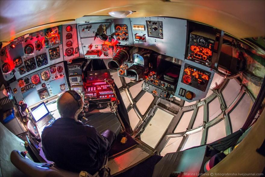 Как видит полет штурман ИЛ-76 (16 фото)