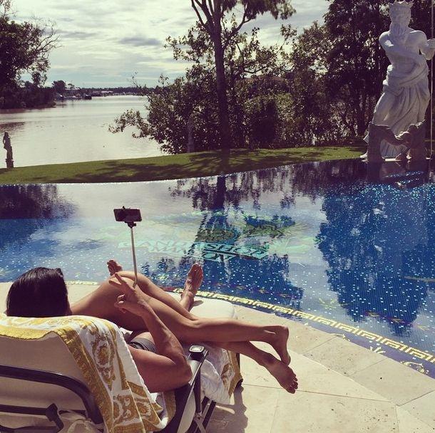 Австралийский плейбой Кэндимэн и его девушки (24 фото)