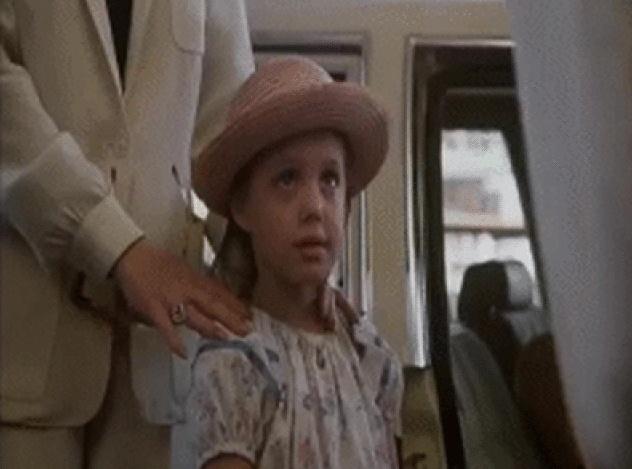 Первые шаги в кино юных актеров, ставших затем знаменитостями (12 гифок)