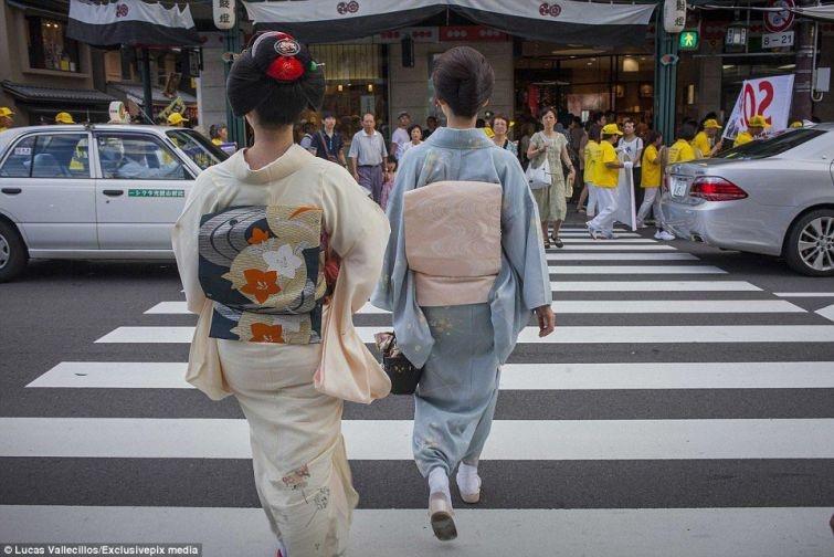 Как живут гейши в современной Японии (23 фото)
