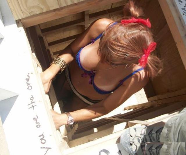 Девушки и полоски от загара (48 фото)