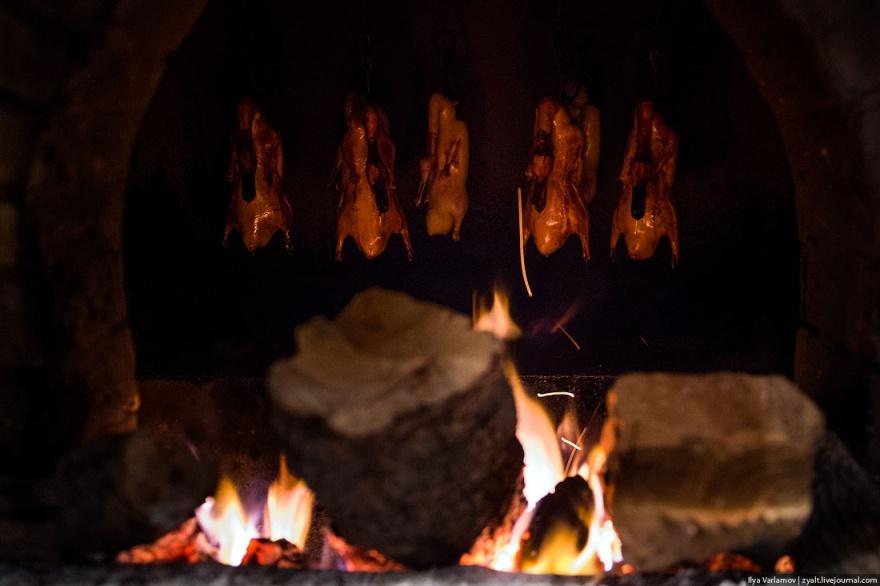 Как готовят утку по-пекински (12 фото)