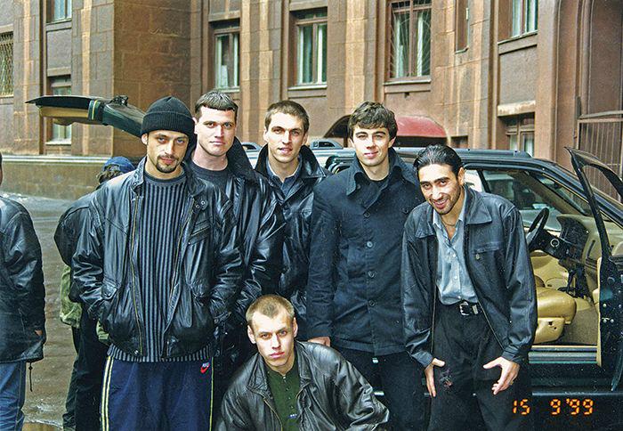 "30 фото, снятых во время съемок фильма ""Брат-2"""