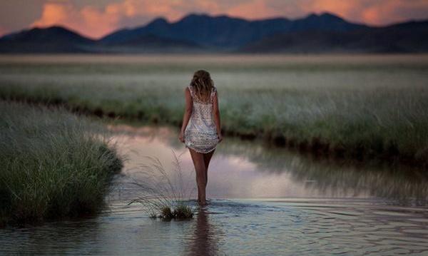 Девушки на фоне природы (40 фото)