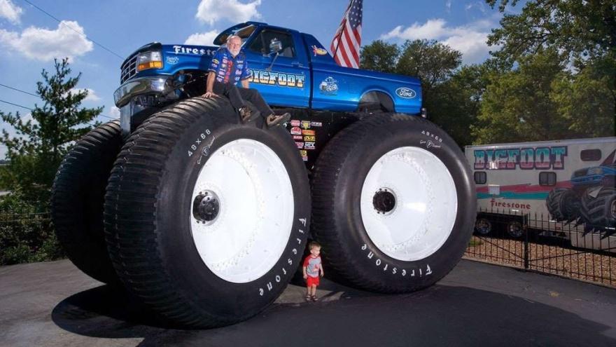 Интересные и странные рекорды из мира колесного транспорта (14 фото)