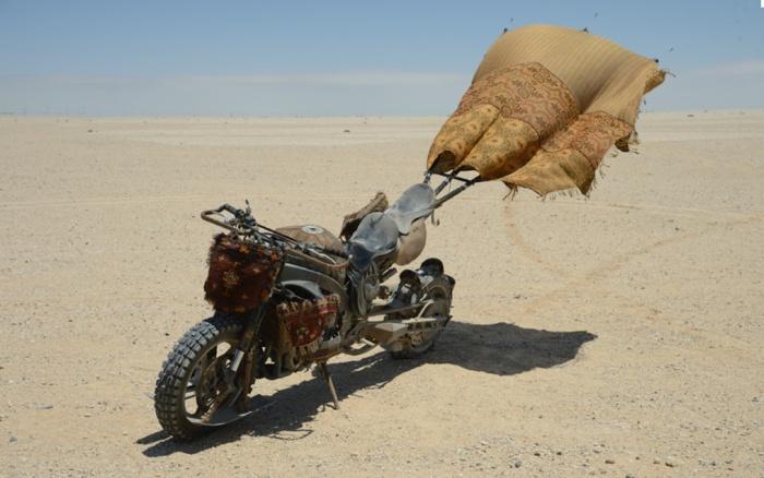 Постапокалиптичные байки из кинокартины «Безумный Макс 4: Дорога ярости» (15 фото)