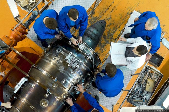 Как создают авиационные двигатели (60 фото)