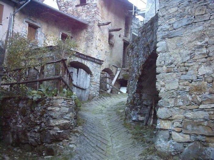 Домик в Италии за смешные деньги (5 фото)