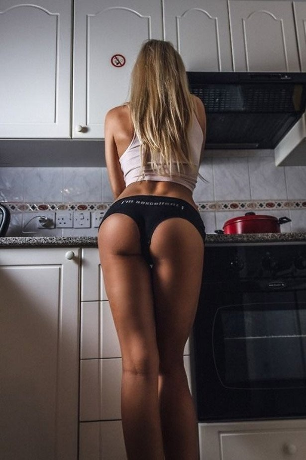 Девушки на кухне 23.05.2015 (42 фото)