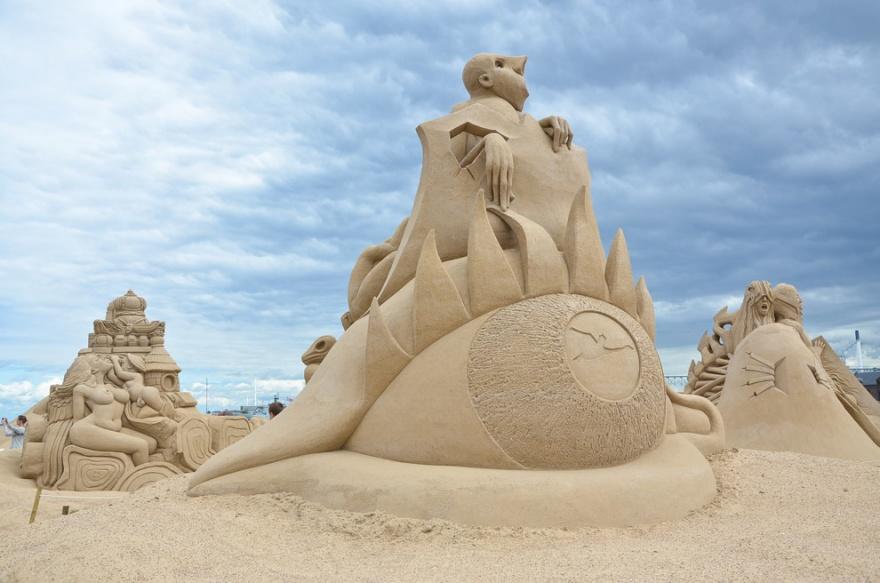 Классные скульптуры из песка (25 фото)
