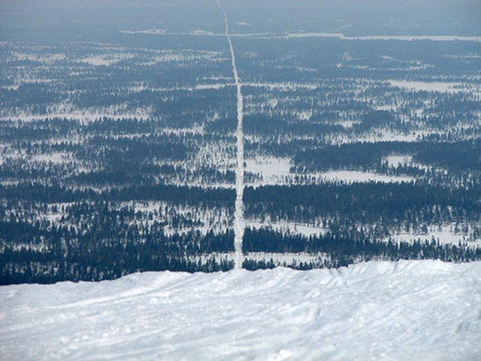 Фотографии границ между различными государствами (14 фото)