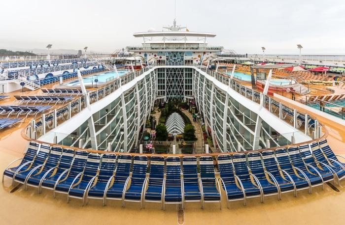 Самый огромный круизный лайнер на Земле (45 фото)