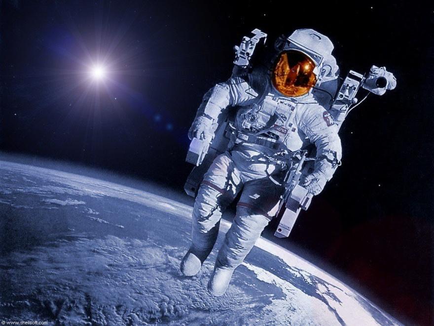 Сторона жизни космонавтов, о которой не принято разговаривать в приличном обществе (4 фото)