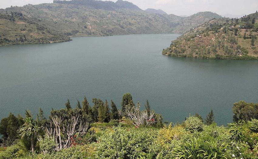 Самые опасные для жизни водоемы и реки (9 фото)