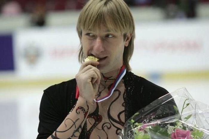 Звезды российского спорта в детстве и сейчас (24 фото)