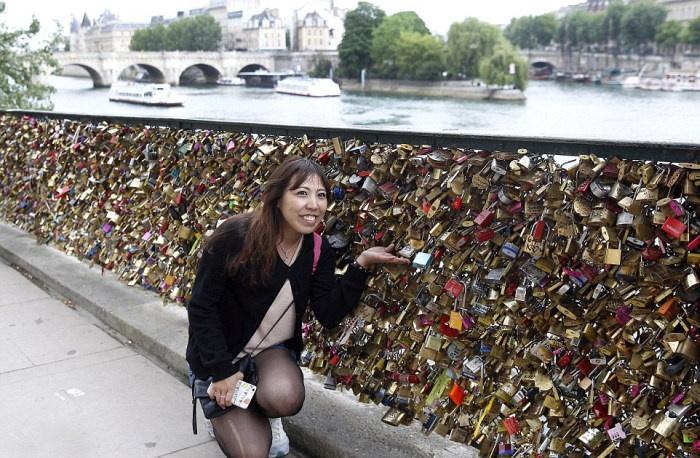 Власти Парижа ликвидируют одну из известных достопримечательностей города (20 фото)