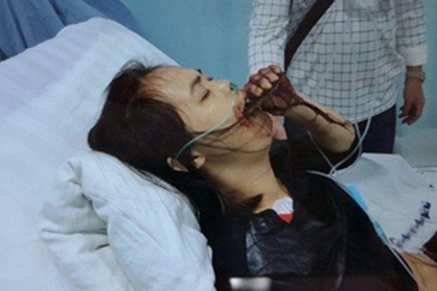 Домохозяйка из Китая проглотила кухонную лопатку (4 фото)
