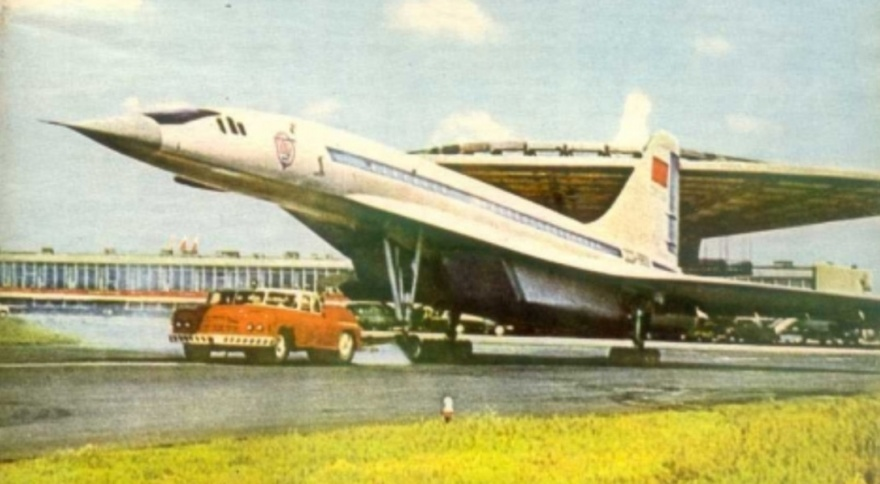Самый огромный седан в мире массой почти 30 тонн (7 фото)