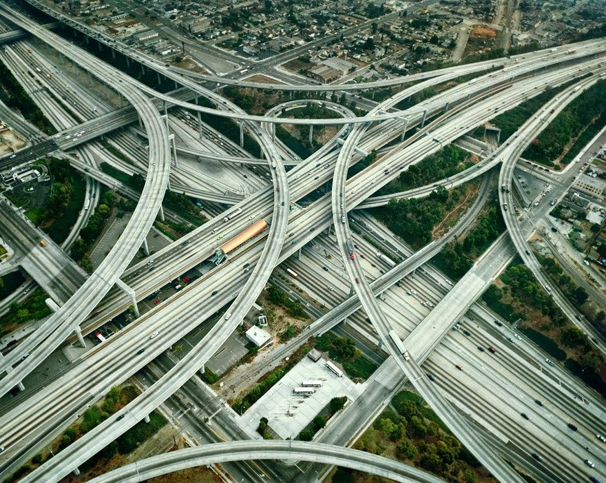Семь сложных транспортных развязок из разных стран (7 фото)