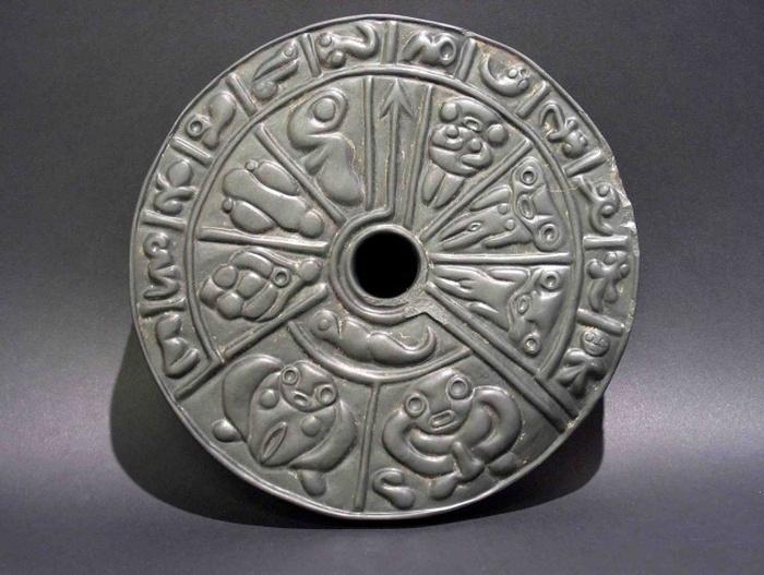 Необычные и загадочные находки археологов (10 фото)