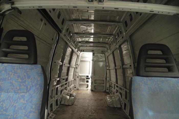 Мобильный дом на основе фургона своими руками (27 фото)