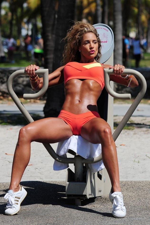 Девушки в отличной физической форме 12.06.2015 (28 фото)