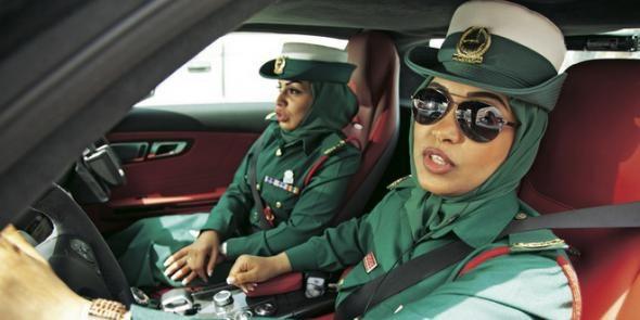 В Дубае турист из Казахстана получил три месяца тюрьмы за попытку привлечь внимание женщины-полицейского