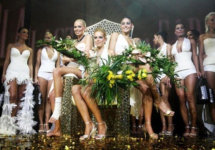 Нестандартные и странные конкурсы красоты (25 фото)