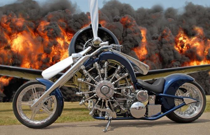 Мотоциклы с авиационными двигателями (7 фото)