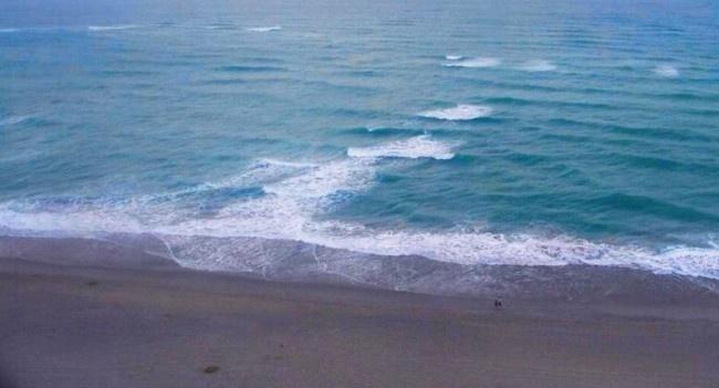 Как не утонуть недалеко от берега, попав в отбойное течение (10 фото)