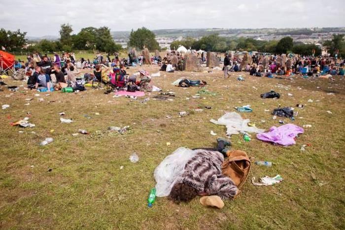 На следующее утро после завершения популярного музыкального фестиваля (37 фото)