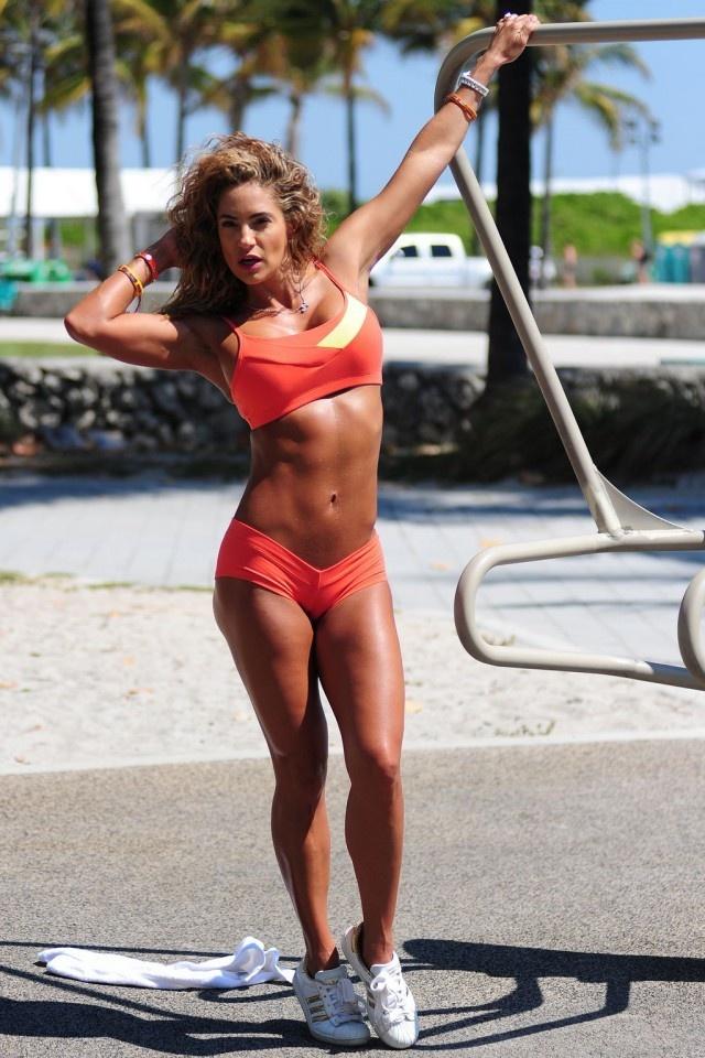 Дженифер Николь Ли фитнес-модель (20 фото)