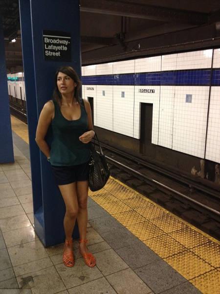 Сколько лет этой женщине? (20 фото)