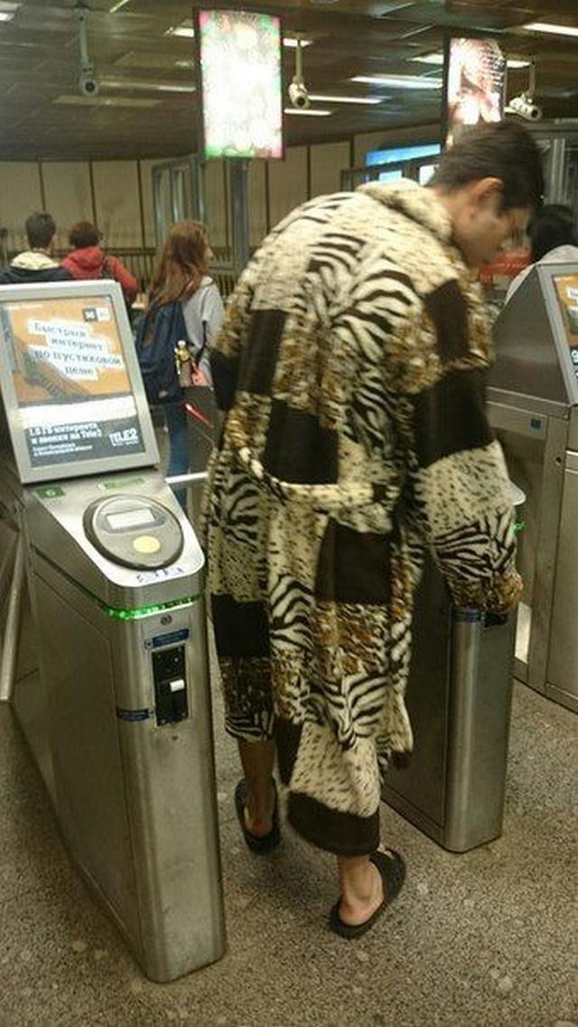 Модные пассажиры метро (20 фото)
