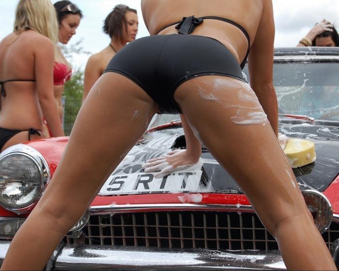 Девушки и автомобили (49 фото)