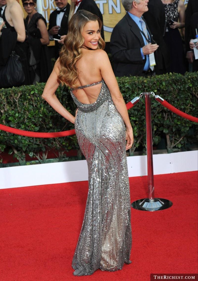 10 знаменитостей, у которых отличный вид сзади