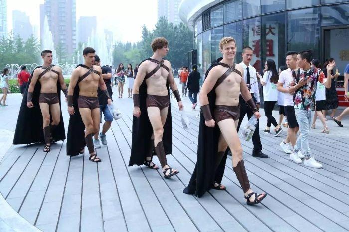 Полиция против спартанцев. Кто победит?