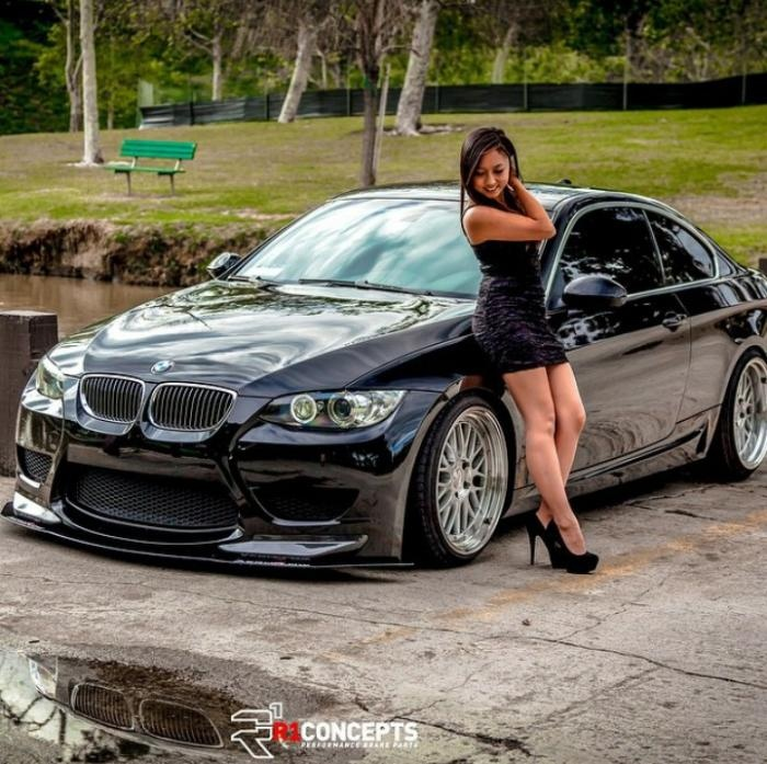 Девушки и автомобили (50 фото)