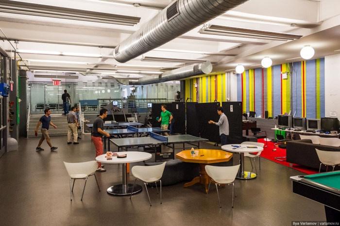 Заглянем в офис Google